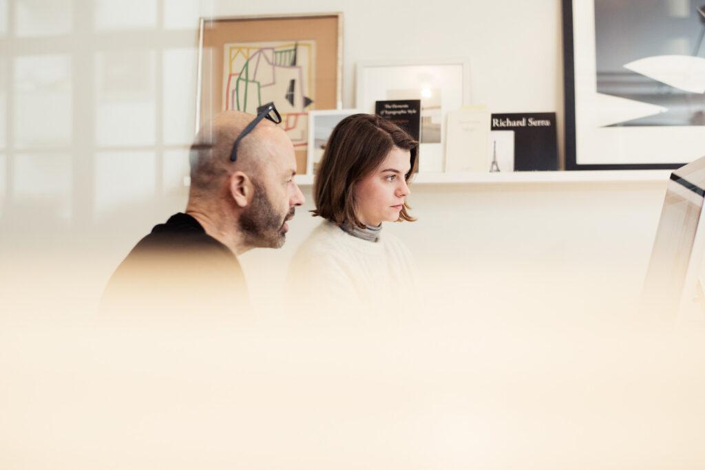 Här syns designern Pernilla Forsberg tillsammans Henrik Nygren. Foto: Jimmy Eriksson.