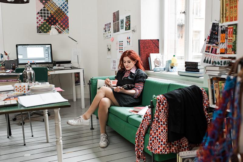 Lotta Kühlhorn i sitt kontor på Södermalm.