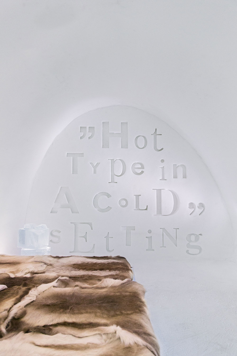 S_3.HOT-TYPEother-wall