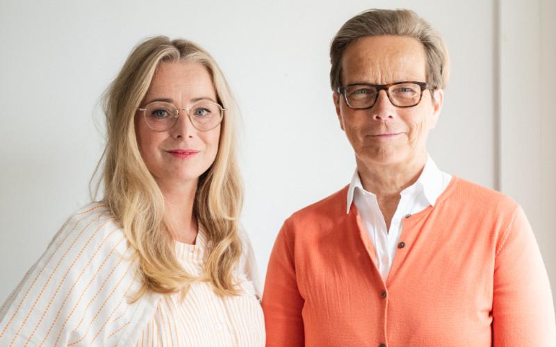 Linda Nilsson är ny vd på Sveriges Kommunikationsbyråers. Här med Helena Westin, organisationens ordförande. Foto: Johanna Åkerberg Kassel.