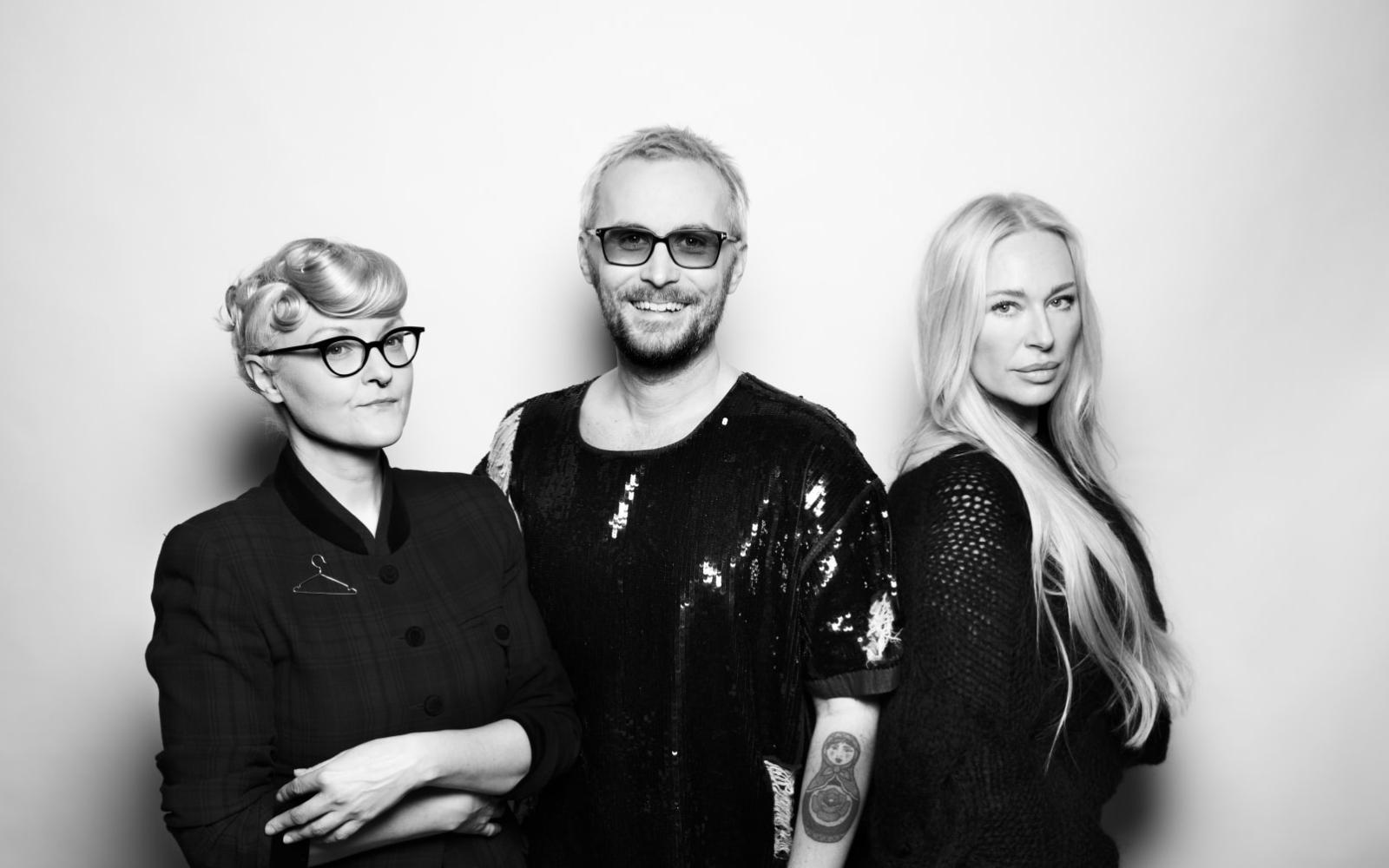 Kreatörerna Bea Szenfeld, Fredrik Robertsson och Isabel Adrian. Foto: Pressbild.